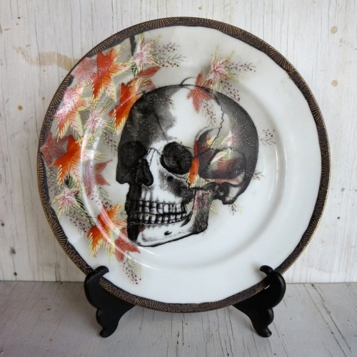 imported43_Gothic_Victorian_Skull_Plate_Punk_Rock_Valentine_Gift_Chase_and_Scout