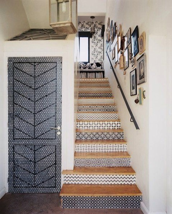 Design Detail /  Dress Up The Staircase